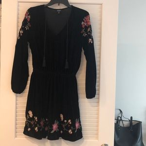 Black velvet sexy mini dress with long sleeves